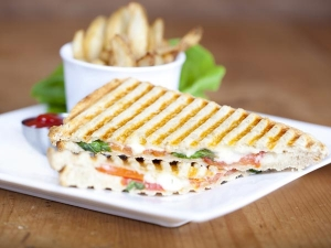 Veg Mayo Grilled Sandwich Recipe In Bengali