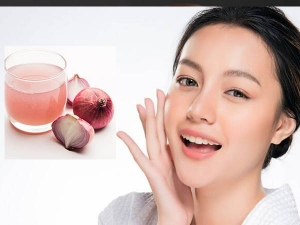 Right Ways To Apply Onion Juice On Face For Glowing Skin In Bengali