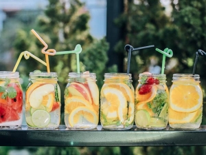 Detox Drinks To Add To Your Diet For Glowing Skin In Bengali