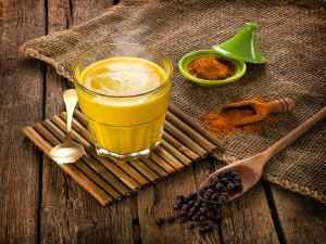 Health Benefits Of Turmeric Milk And How To Make It In Bengali