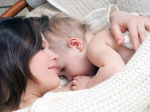 Fruits To Eat And Avoid During Breastfeeding